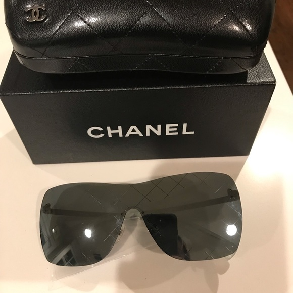 a73f5640be15 NEW CHANEL Mirrored Runway Shield Sunglasses